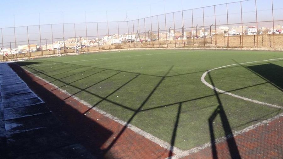 زمین چمن موسسه فرهنگی ورزشی و توانبخشی ایثار